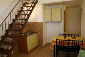 Adriatic 5 kitchen